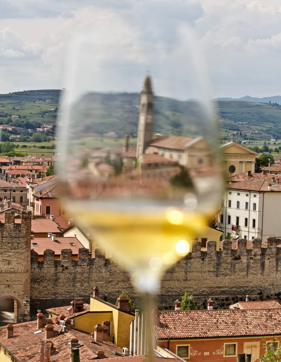 Soave in the glass, summer of Soave