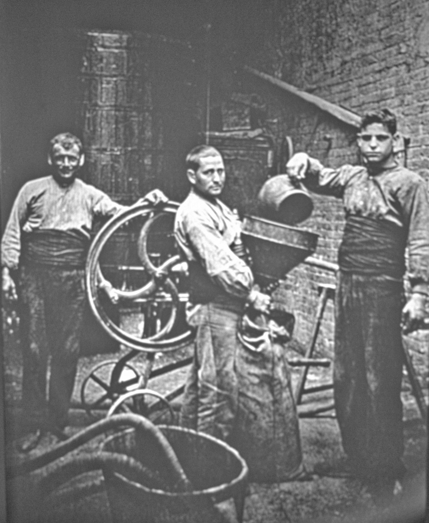 Abadal winery workers, Pla de Bages